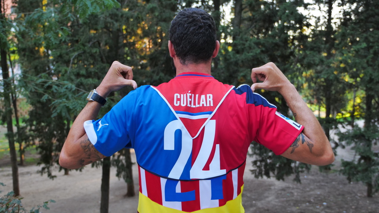 Carlos Cuéllar Anuncia Su Retirada Con Una Camiseta Muy Especial